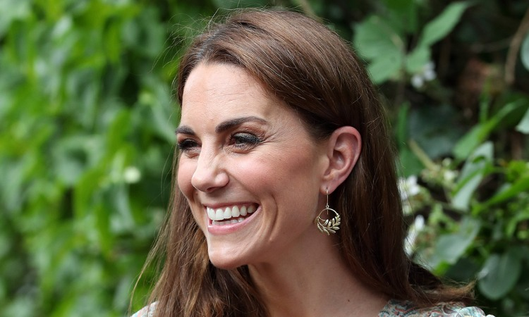kate-middleton-smiling-close-up-t.jpg
